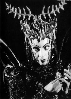 Robert Helpmann as Oberon (1937)
