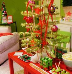 the wildflower: DR SEUSS, The Grinch Movie Party!