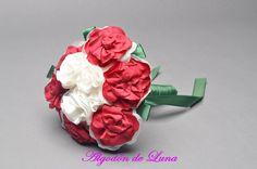 Bouquet ramo de flores de tela en blanco y rojo  606619349 algodondeluna@gmail