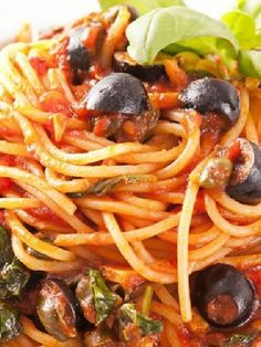 Vegetarian, Low FODMAP & Gluten Free - Spaghetti with black olive and tomato ragù - http://www.ibscuro.com/vegetarian_low_fodmap_recipe_spaghetti_black_olive_ragu.html