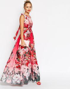 Looks de boda para invitas. Vestidos de flores #moda #tendencias #vestidosdefiesta #estampados #flores
