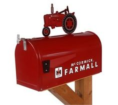 """McCormick Farmall """"M"""" Rural Style Mailbox with Tractor Topper"""