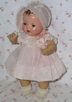 1937 Mold 1 - Effanbee DY-DEE Doll in Trunk -- Complete Layette