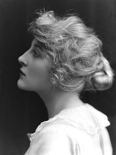 British actress Isobel Elsom (1893-1981), 1918. (Bassano Ltd/Getty Images)