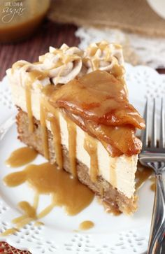 Caramel Apple Blondie Cheesecake - apple spice blondie topped with no bake caramel cheesecake, topped with cinnamon apples and caramel sauce
