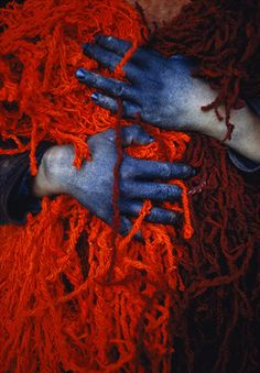 Dye Worker's Hands Photograph by Thomas J. Abercrombie A teenage worker uses dye-stained hands to hold a tangled nest of red yarn. The boy lives in Khulm (formerly Tashkurgan), Afghanistan, a town noted for trade in sheep and wool. Louise Bourgeois, Azul Anil, Azul Indigo, Red Pictures, Color Of Life, Shades Of Red, My Favorite Color, Red Color, Color Azul