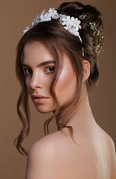Make-up artist and hair stylist Annie Daniel of Paint Me Pretty talks through six bridal looks which all serve to enhance the bride's natural beauty Bridal Bun, Female Character Inspiration, Pretty Hairstyles, Bridal Hairstyles, Bridal Looks, Hair Band, Headpiece, Fashion Forward, Makeup Looks