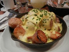 poutine_dejeuner à L'Assommoir, rue Notre-Dame, Montréal