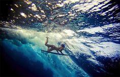 surfeuses sous eau 12 Surfeuses sous la vague