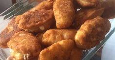 ΥΛΙΚΑ Κ ΕΚΤΕΛΕΣΗ  Σε μια λεκάνη βάζω 500 γραμ αλεύρι μια κούπα χλιαρό γάλα ενα φλυτζάνακι λιωμένο βούτυρο δυο αυγά ένα κύβο μαγιά που... Pretzel Bites, Bread, Food, Brot, Essen, Baking, Meals, Breads, Buns
