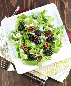 Arugula Salad with Blackberries and Creamy Goat Cheese Dressing #DriscollsBerry