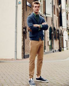 Our best-selling J.Crew men's stretch chinos. We were stretch skeptics at first too, but the easy stretch chinos (available in our slim 770 and slimmest 484 fits) will turn anyone into a true believer.