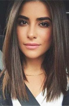 Blunt Cut With Layers, Medium Length Hair With Layers Straight, Medium Hair Cuts, Medium Hair Styles, Long Hair Styles, Hair Cuts Straight, Straight Bob, Funky Hairstyles For Long Hair, Medium Bob Hairstyles