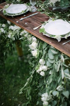 Romantic White Wedding Inspiration for Spring Green Wedding, Spring Wedding, Floral Wedding, Outdoor Wedding Inspiration, Banquet Tables, Bridal Musings, Wedding Reception, Wedding Blog, Wedding Ideas