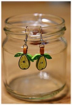 Quilling dangle earrings paper pears from Lieb - Quilling Ideas Paper Quilling Cards, Quilling Letters, Paper Quilling Patterns, Paper Quilling Jewelry, Neli Quilling, Origami And Quilling, Quilled Paper Art, Quilling Craft, Quilling Designs