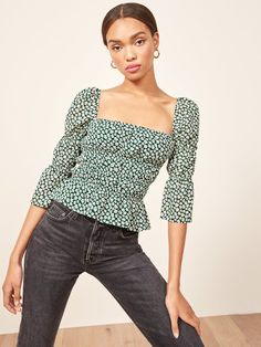 Reformation Ayla Top - These Are the 9 Tops You'll Reach For Over and Over Again Edgy Outfits, Mode Outfits, Classy Outfits, Beautiful Outfits, Fashion Outfits, Fashion 2017, Summer Outfits, Oktoberfest Outfit, Reformation Clothing