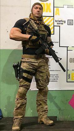 cuerpo uniforme gay
