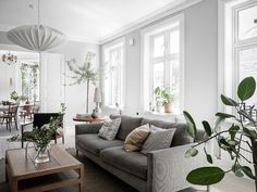 Bright Scandinavian Home Interiors Filled with Beautiful Houseplants Wall Decor Bedroom, Scandinavian Home Interiors, Scandinavian Interior Style, House Interior, Scandinavian Home, Living Room Inspiration, Interior, Small Apartment Decorating, Home Decor