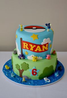 I want this for my birthday. I mean, I know I'm turning 18, and the cake in the pic is for a six year old...but...I WANT THIS FOR MY BIRTHDAY SO BAD OMG :'(
