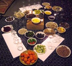 Tu B'Shvat Seder: The Birthday of the Tree Sukkot Recipes, Holiday Recipes, Holiday Ideas, Kosher Recipes, Gourmet Recipes, Healthy Recipes, Jewish Festivals, Baking Tips, Food Print