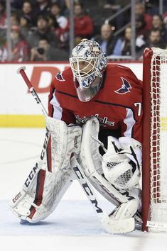Photo galleries featuring the best action shots from NHL game action. Washington Capitals Hockey, Washington Dc, Hockey Goalie, Hockey Teams, Braden Holtby, Goalie Mask, Nhl Games, Buffalo Sabres, Period