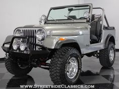 Jeep CJ7 1979 My daddy has one that looks just like this...