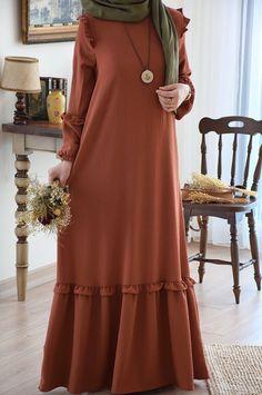 Street Hijab Fashion, Abaya Fashion, Fashion Dresses, Moslem Fashion, Muslim Dress, Hijab Dress, Hijab Fashionista, Modesty Fashion, Abaya Designs