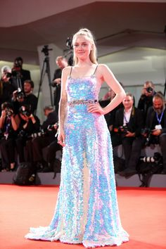 Dakota Fanning - Premiere of 'Brimstone' at the Venice Film Festival Fanning Sisters, Cute Sister, Dakota And Elle Fanning, All Grown Up, Prom Dresses, Formal Dresses, Celebs, Celebrities, Emma Watson