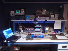 Lab Bench Electronics Projects, Hobby Electronics, Office Games, Office Setup, Electronic Workbench, Home Workshop, Mobile Workshop, Electronic Shop, Shop Layout