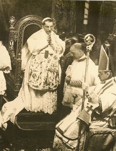 Pope Benedict XV and Cardinal Pacelli (the future Pope Pius XII)