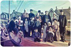 Een familie in Spakenburgse klederdracht