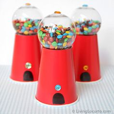 How to make a Candy Gumball Machine craft for gifts, party favors or a birthday party dessert table. A cute homemade candy food gift idea. Festa Party, Diy Party, Party Favors, Party Ideas, Party Crafts, Shower Favors, Diy Gumball Machine, Birthday Party Desserts, Diy Birthday