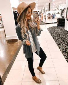 Shop Your Screenshots™ with LIKEtoKNOW.it, a shopping discovery app that allows you to instantly shop your favorite influencer pics across social media and the mobile web. Fall Transition Outfits, Fall Winter Outfits, Spring Outfits, Cold Spring Outfit, Outfits With Hats, Casual Outfits, Cute Outfits, Casual Leggings Outfit, Vegas Outfits