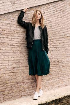 Feminine flair and tomboy attitude combine to create an effortless, modern look. | H&M Summer