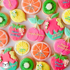 mica (@micarina_sweets) | Twitter Summer Cookies, Fancy Cookies, Sweet Cookies, Cute Cookies, Fruit Cookies, Iced Cookies, Royal Icing Cookies, Cookies Et Biscuits, Cake Decorating Videos