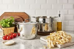 Gather the family around the kitchen and make your favourite pasta dishes together! Prep the noodles in the Pasta Pot and choose different sauces that everyone will love. Pasta Dishes, Noodles, Sauces, Essentials, Make It Yourself, Fresh, Cooking, Kitchen, Macaroni