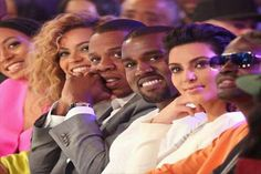 Beyonce is reportedly urging Jay Z to make amends with Kanye West following the rapper's hospitalisation.