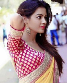 Bollywood Actresses In Saree: Top 10 Bollywood actresses who look beautiful in saree Beautiful Girl In India, Beautiful Girl Photo, Most Beautiful Indian Actress, Beautiful Saree, Beautiful Actresses, Beautiful Women, Beautiful Models, Beauty Full Girl, Beauty Women