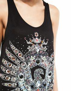 Camiseta Bershka aguila detalle abalorios