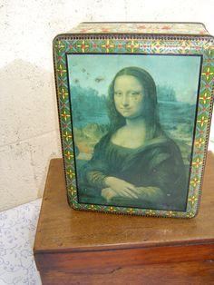 Fabulous French Vintage Large Tin with Mona Lisa Design... I really miss Paris!