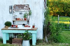 Farmhouse Style Potting Bench - www.knickofime.net
