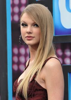 Forget Guys, Taylor Swift's Been Singing About Her Hair All Along Photos Of Taylor Swift, Taylor Swift Hair, All About Taylor Swift, Taylor Swift Album, Live Taylor, Taylor Alison Swift, Beautiful Taylor Swift, Celebrity Portraits, Celebrity Outfits