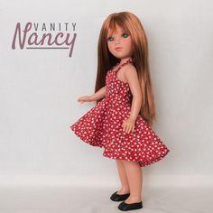 Si te gusta coser para muñecas, no puedes dejar de probar el patrón de este vestido.