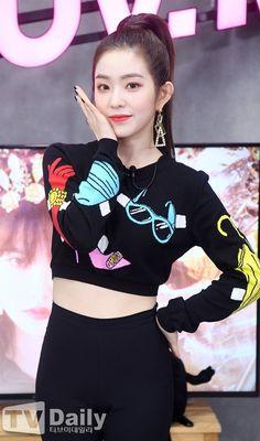 Check out Black Velvet @ Iomoio Seulgi, Red Velvet アイリーン, Red Velvet Irene, Kpop Girl Groups, Korean Girl Groups, Kpop Girls, Daegu, Pretty Gif, Miss Girl