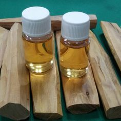 sandalwood oil (santalum album) ntt. Pure oil, volume 10 ml.  Price : 10ml = Rp. 400.000