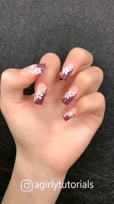 15 Most Popular Step By Step Nail Art Tutorials Part 1 - Christmas nails Nail Art Hacks, Nail Art Diy, Easy Nail Art, Diy Nails, Nail Nail, Nail Polish, Hallographic Nails, How To Nail Art, Coffin Nails