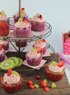Fresh strawberries and kiwis are combined in these delicious Strawberry Kiwi Cupcakes, topped with more fresh fruit in the Strawberry Kiwi Creamy Frosting. Strawberry Kiwi, Strawberry Cupcakes, Strawberry Desserts, Baking Cupcakes, Cupcake Recipes, Baking Recipes, Sweet Cupcakes, Yummy Cupcakes, Cupcake Day