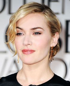 kate winslet always has the coolest makeup<3
