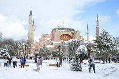 Айя-София в январе месяце окутанная бархатным снегом
