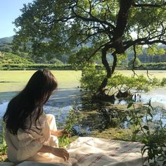 Find images and videos about girl, aesthetic and nature on We Heart It - the app to get lost in what you love. Nature Aesthetic, Summer Aesthetic, Japanese Aesthetic, Cozy Aesthetic, Aesthetic Green, Aesthetic Pastel, Ullzang Girls, Yennefer Of Vengerberg, Cottage